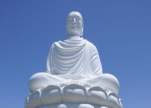 Pagoda_Long_Son bouddha blanc nha trang