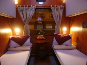 golden train cabine couchette nha trang saigon VIP 300x225 Le Golden Train, le train 5 étoiles vietnamien pour faire Nha Trang Saigon